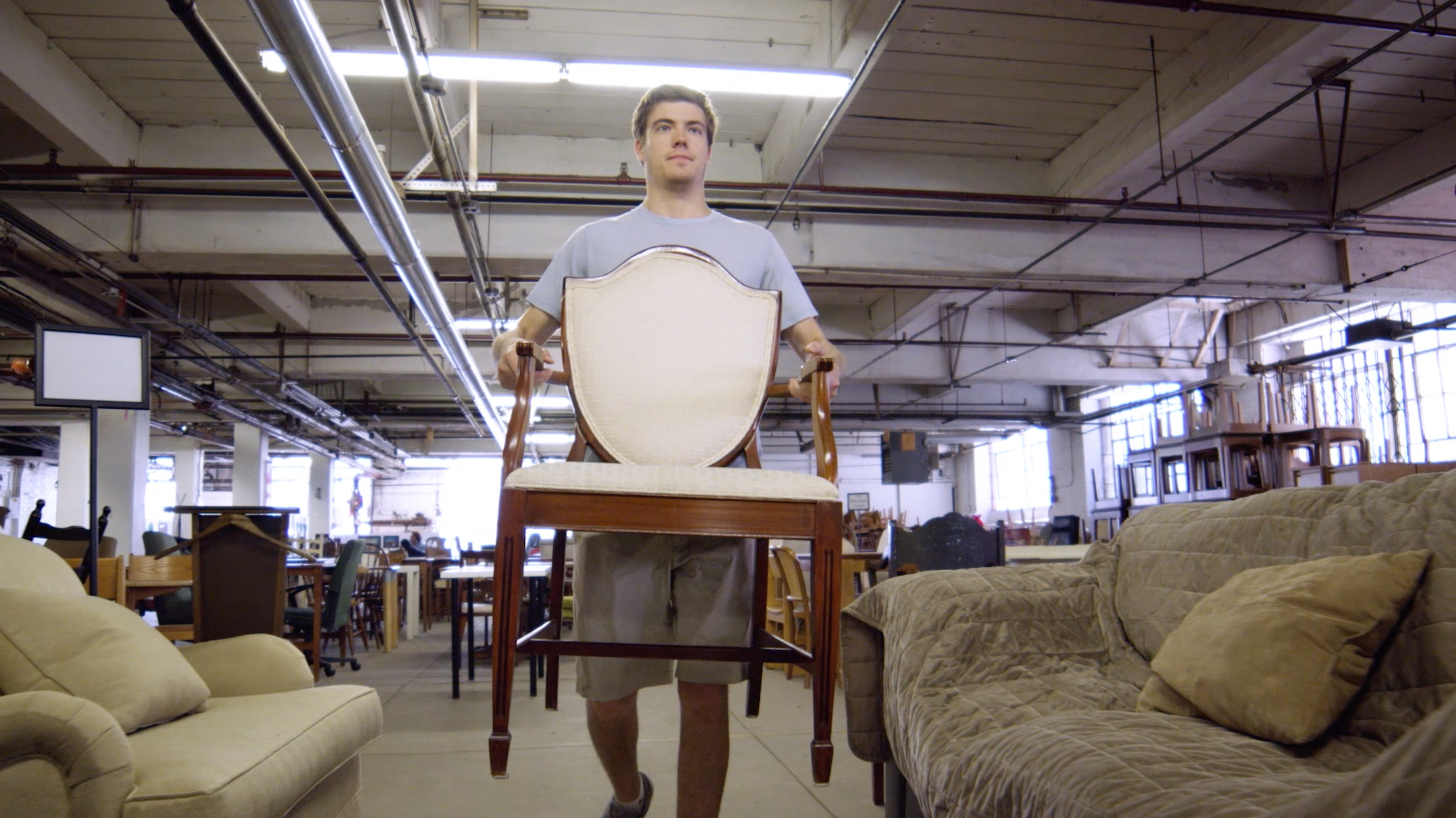 Chicago Furniture Bank Is Up And Running Serving The Community