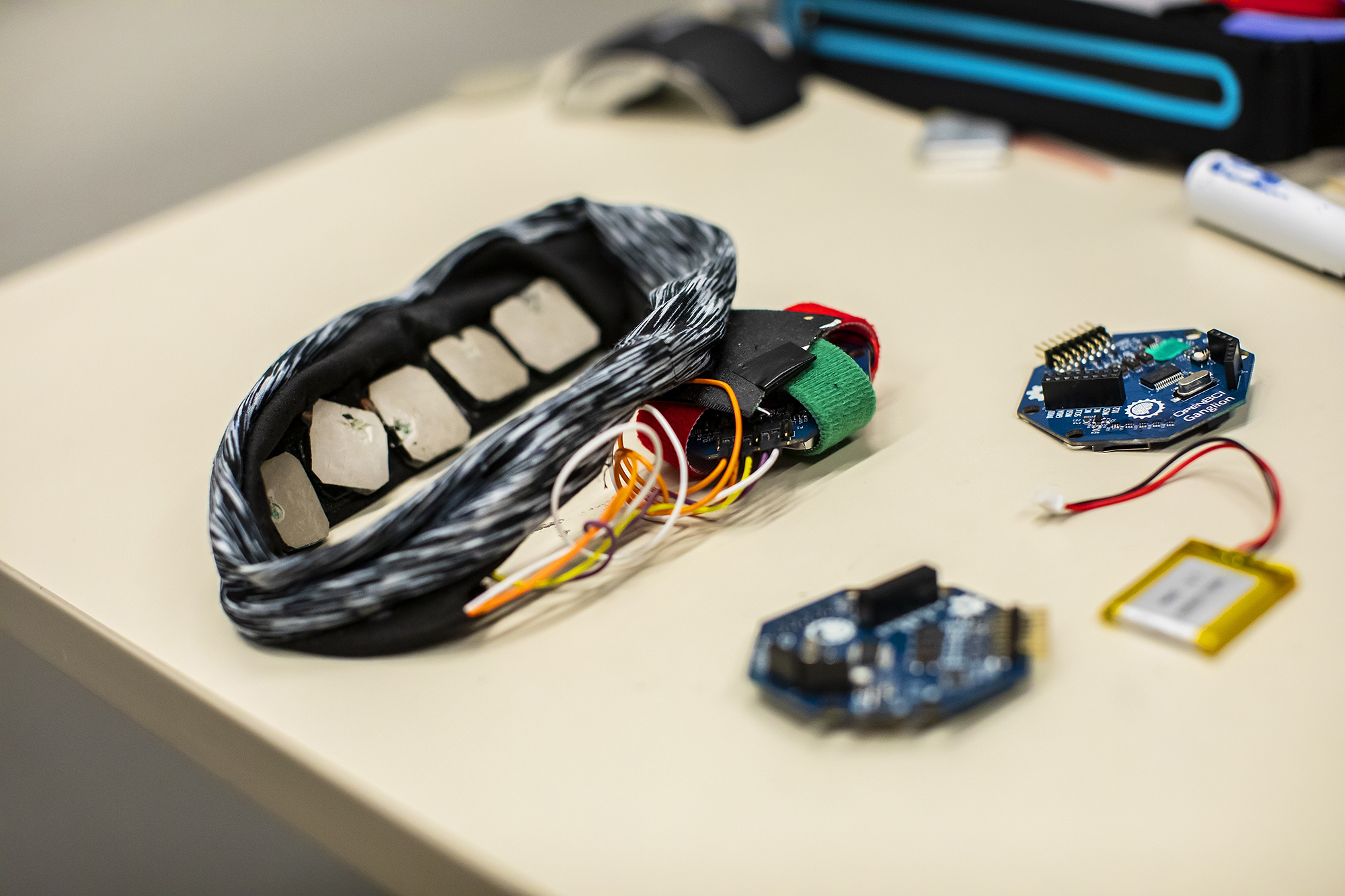 Wearable tech moves brain monitoring from lab to real world