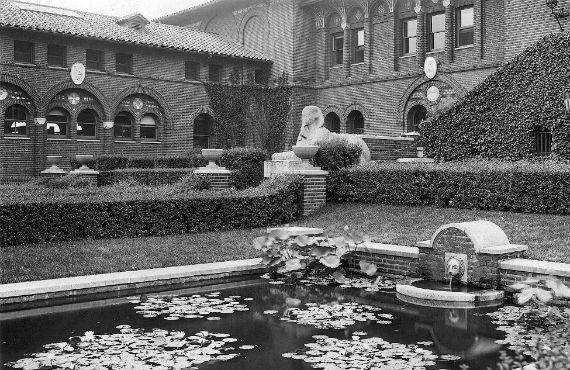 Sphinx in Penn Museum courtyard 1915.  Credit: University of Pennsylvania Archives