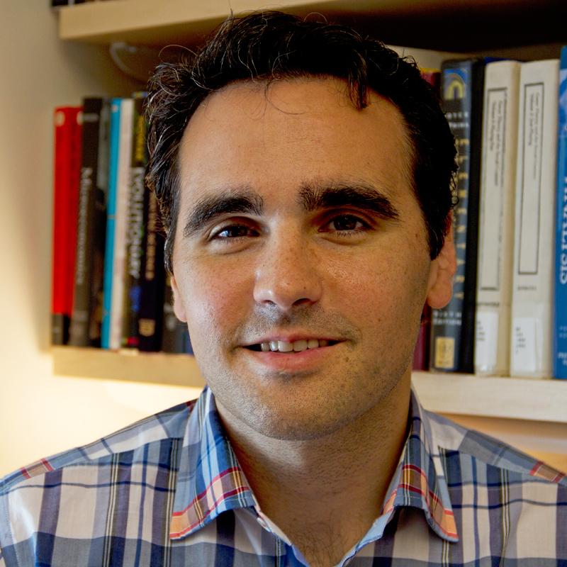 Damon Centola