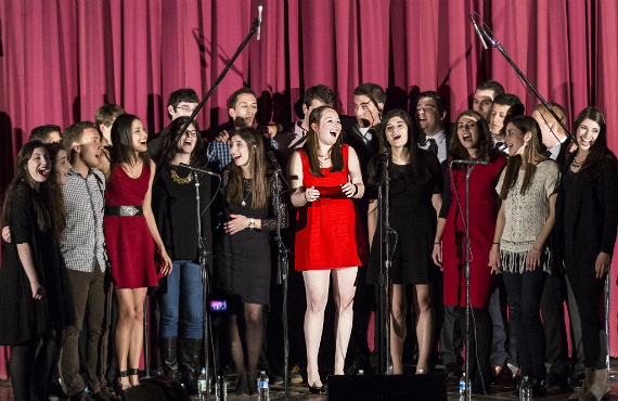 Beren sings with the Shabbatones during their Fall 2015 concert