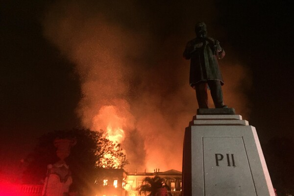 Fire at the National Museum of Brazil, in Rio de Janeiro, on September 2, 2018. Photo by Felipe Milanez