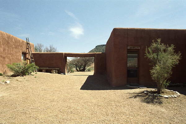 Exterior of Abiquiu House in sunlight